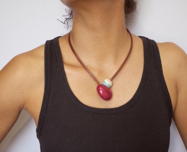Collar-plata-de-ley-y-semilla-de-tagua.-Thisa-amarillo7